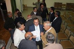 Alcaldes y concejales de la zona Nordeste dialogan ayer en Boceguillas con el delegado territorial, Javier López-Escobar / JCYL