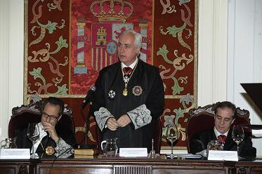 José Luis Concepción, Presidente del Tribunal Superior de Justicia de Castilla y León recibiendo la Cruz de San Raimundo de Peñafort / Poderjudicial.es