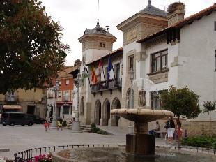 imagen fachada ayuntamiento de el espinar.JPG modificada