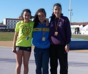 Sandra 1ª Juvenil en 400m