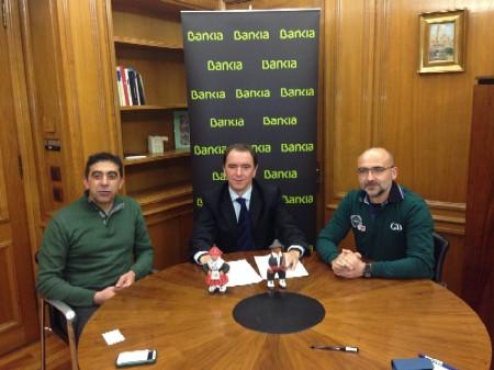 2014-03-04 Firma  Bankia para la organización media maratón Ciudad de Segovia