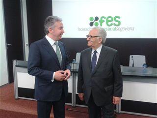 Pedro Palomo, presidente de la FES y Félix Buquerín, CECALE de Oro.