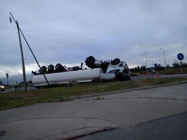 140702 accidente camión el espinar 2