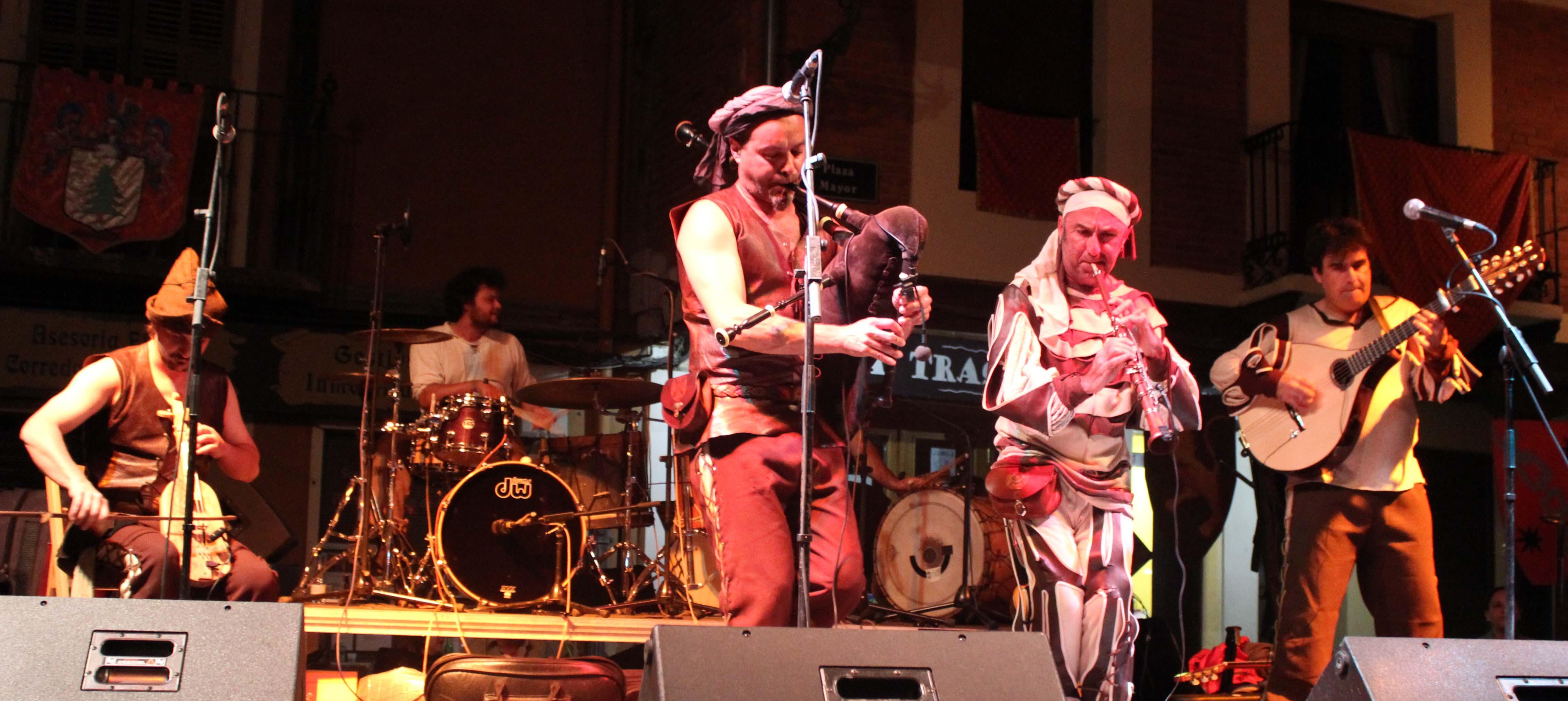 'Jabardeus' ofreció al público su repertorio de folk medieval.