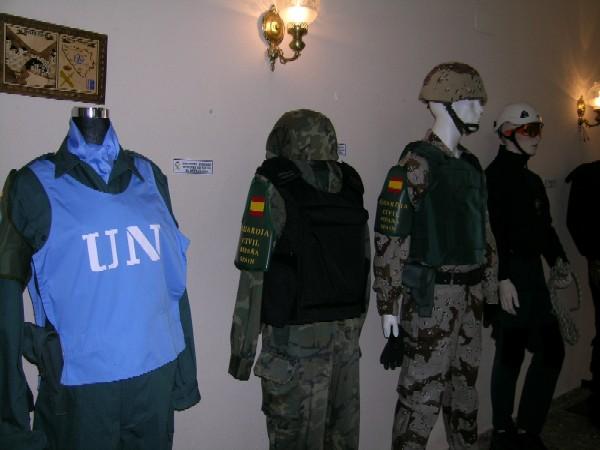 Exposición guardia civil mujer