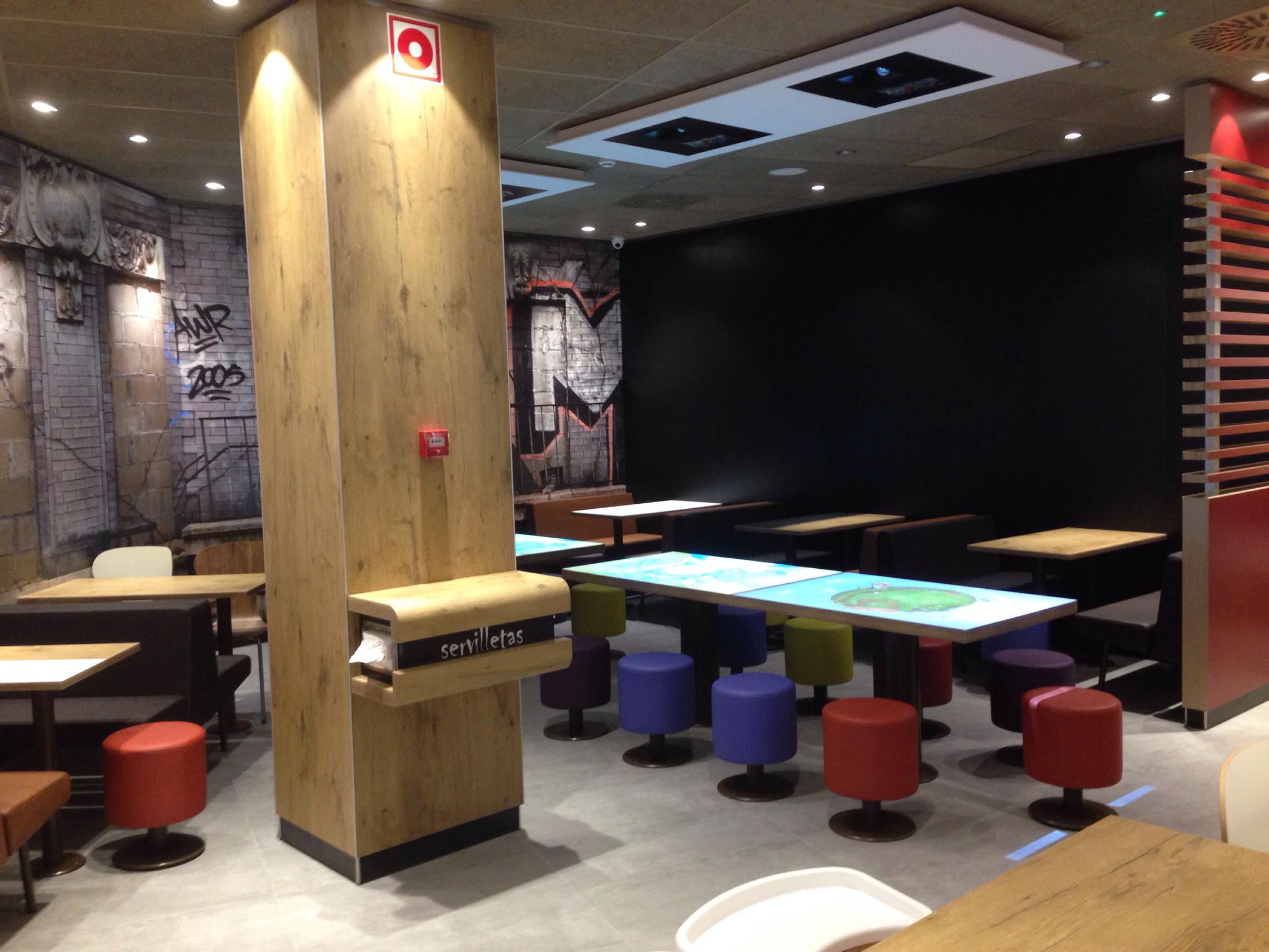 140828 inauguración McDonald Segovia 1
