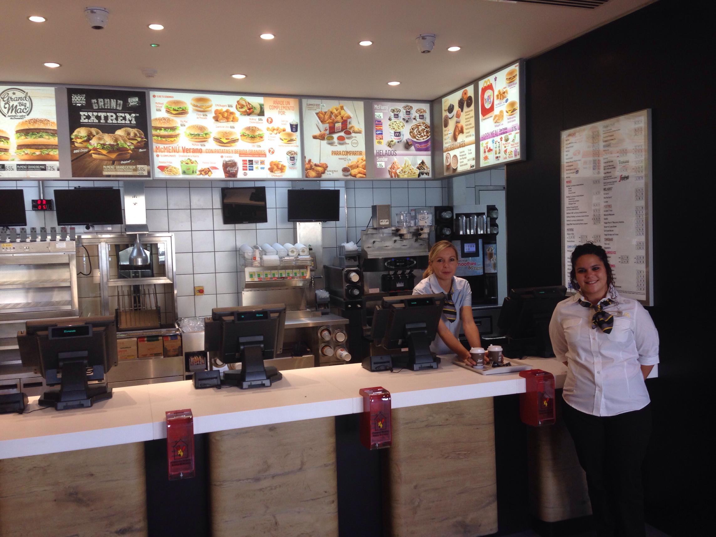 140828 inauguración McDonald Segovia 2