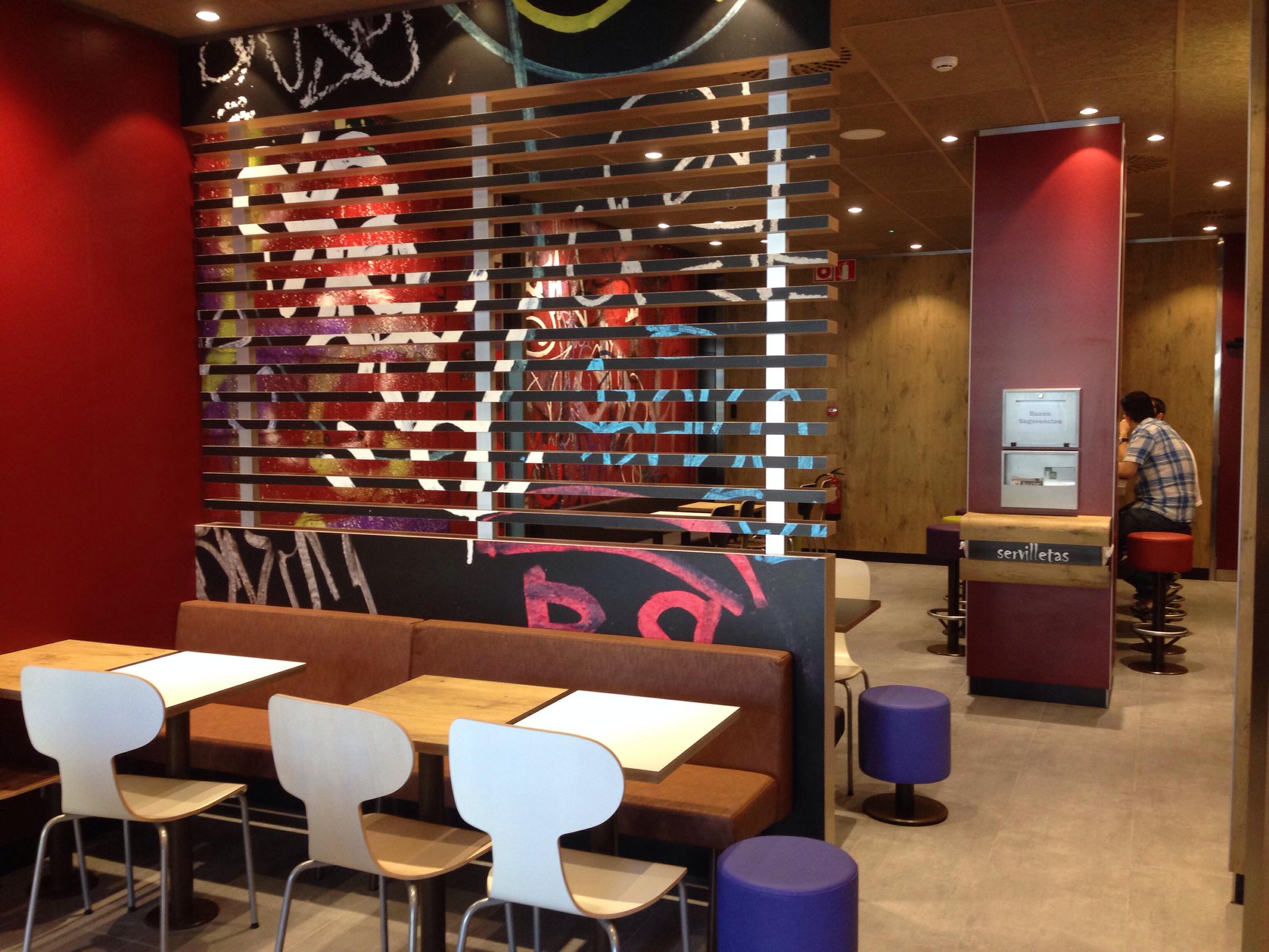 140828 inauguración McDonald Segovia 3