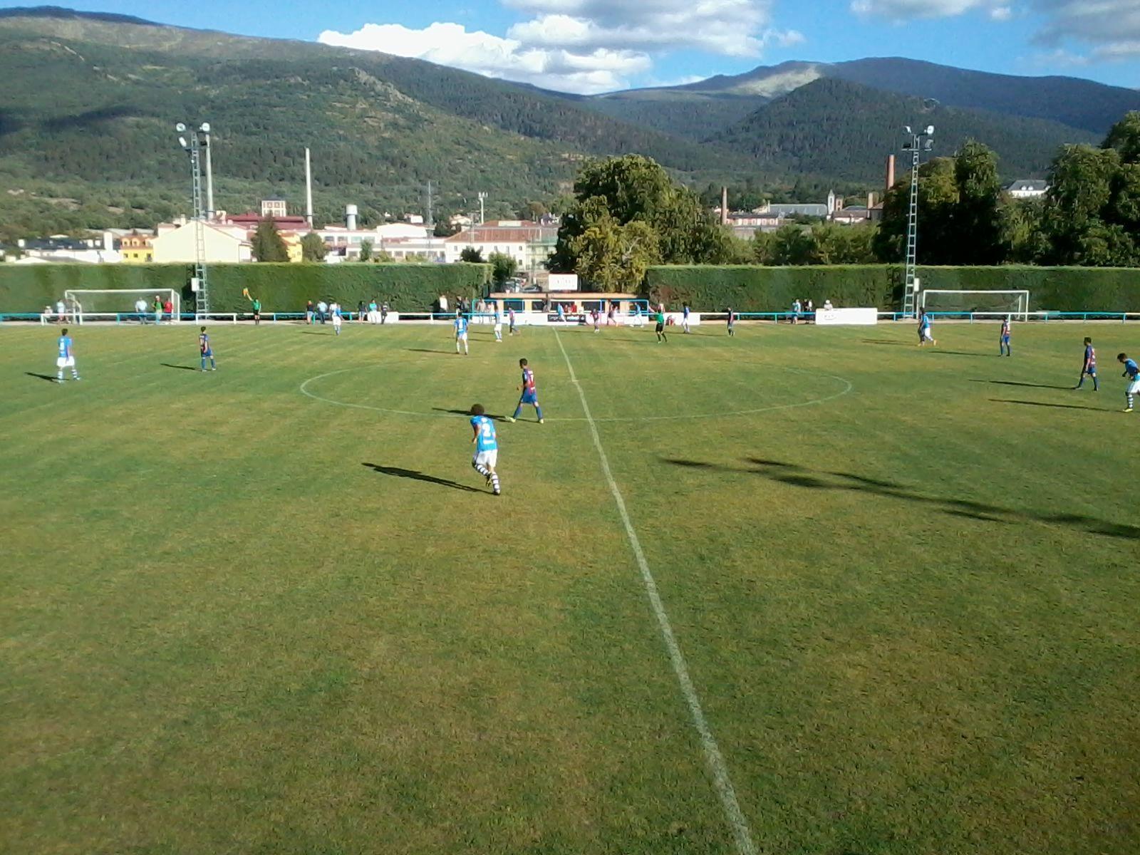 El CD La Granja se impone 1-0 a la Segoviana en un derby descafeinado