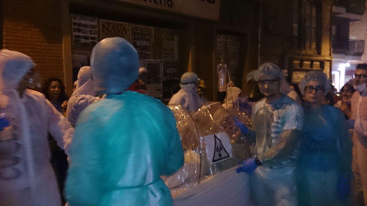 Los ganadores recrearon el traslado de un paciente afectado por la enfermedad del ébola