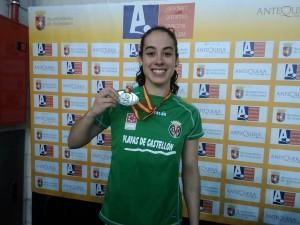 Sara Gómez se proclama campeona de España Universitaria de 400 ml