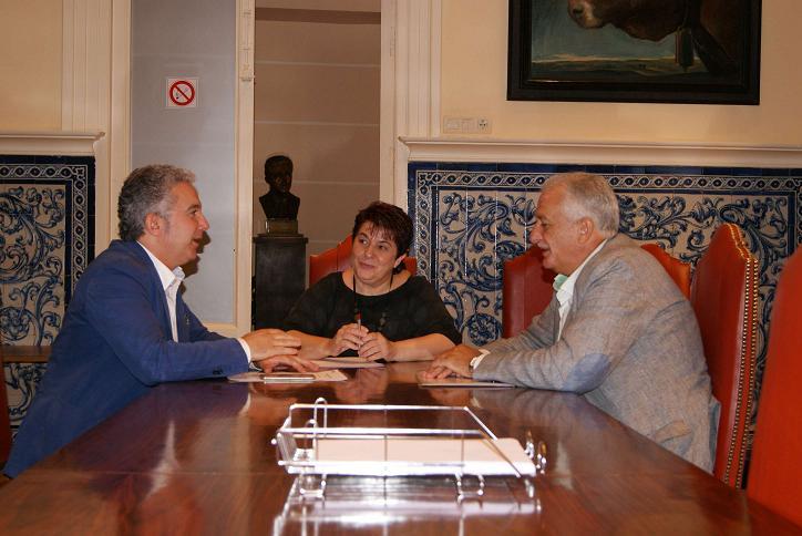 El Ayuntamiento y FES trabajarán para hacer de Segovia una ciudad de inversión productiva