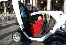 El Ayuntamiento de Segovia adquiere su primer vehículo totalmente eléctrico