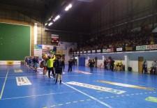 Balonmano Nava gana en los últimos segundos 23-22 al Tolosa