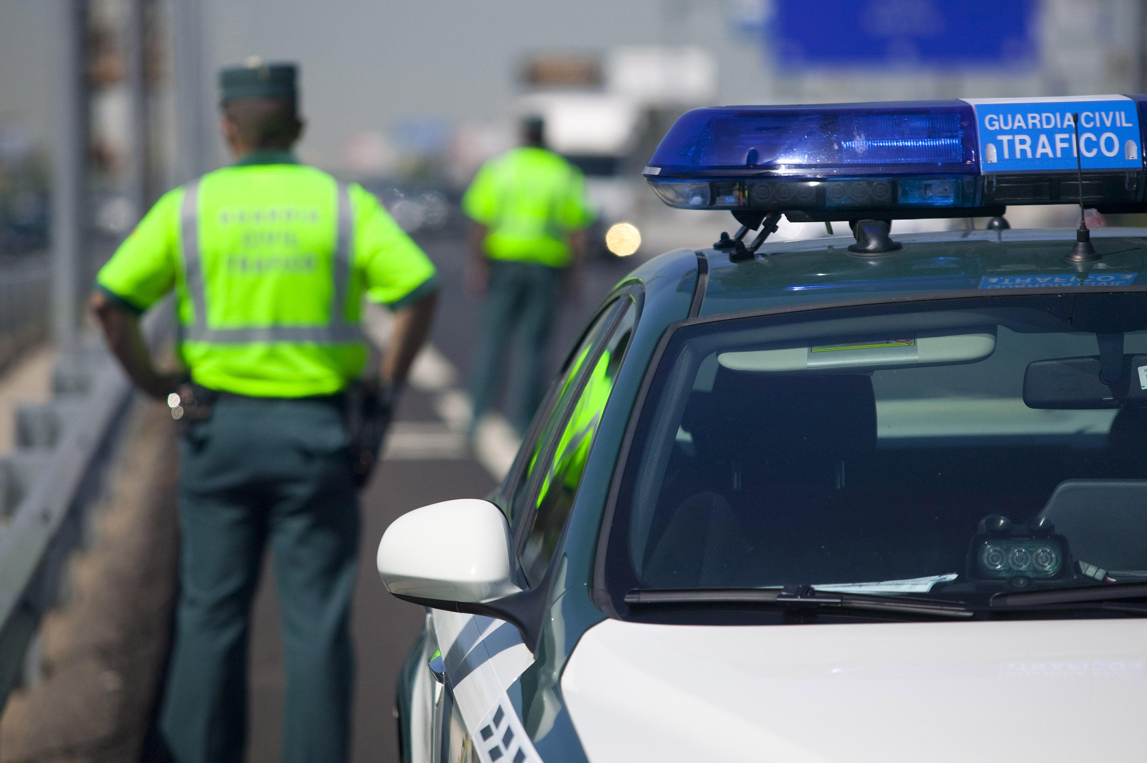 La Guardia Civil intensifica la vigilancia en las carreteras convencionales