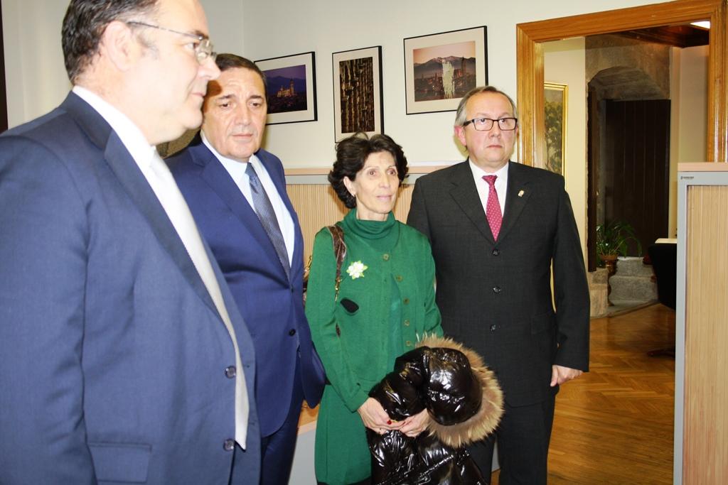 La AECC recoge más de 40.000 firmas para pedir una unidad de radioterapia en Segovia