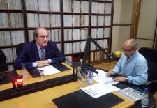 Ángel Gabilondo en los estudios de Radio Segovia