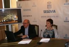 Alfonso Reguera, concejal de Economía y Hacienda, y Clara Luquero, alcaldesa de Segovia