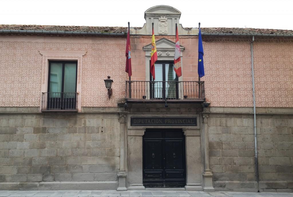 El presupuesto de la Diputación para 2017 baja de 55 a 53 millones de euros