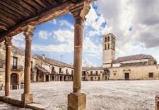 Kindle propone una compra de libros popular desde la torre de la iglesia de Pedraza